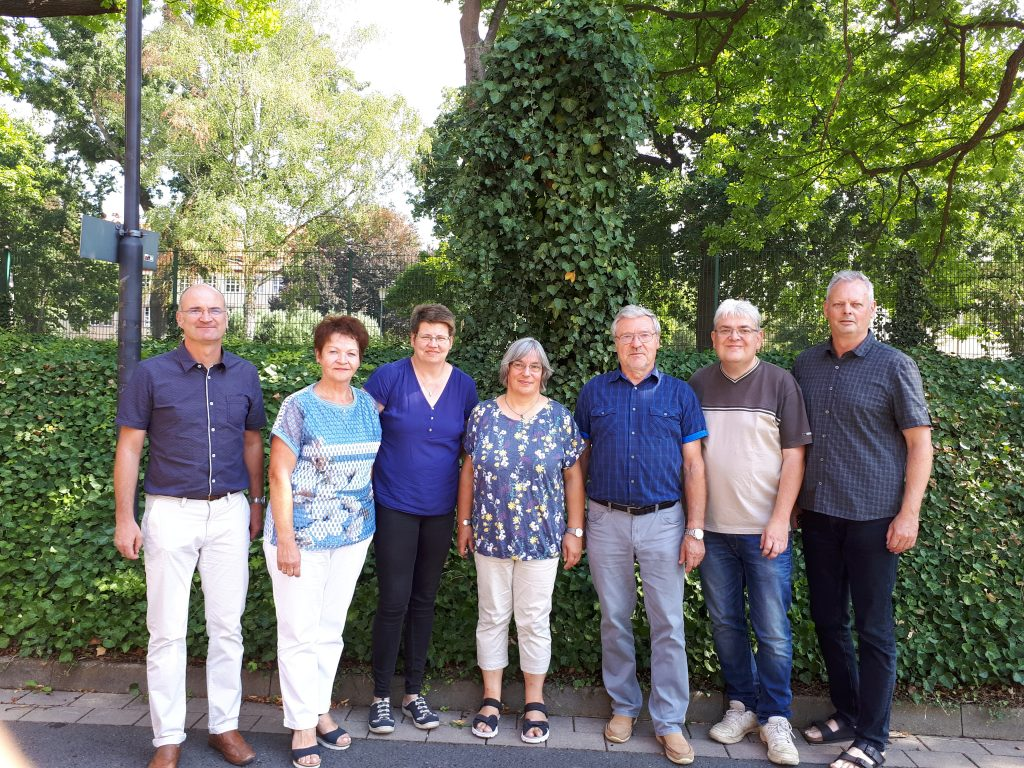 v.l. Thomas Danke (Schriftführer); Margit Dietrich; Ina Krone (Kassenwart); Helga Gudacker; Dankmar Schade; Stefan Bosbach (Vorsitzender); Kay Oswald